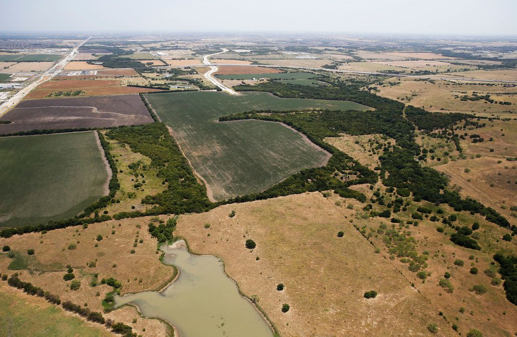 The PGA site is part of an area in Frisco that belonged to the  estate of Bert Fields Jr., who died in 2015. The land shown here is seen looking west to east, just south of US 380 (top left) in Frisco. Rockhill Parkway (top center) extends into the land, off the Dallas North Tollway. Rockhill Parkway and Legacy Drive will both be extended.