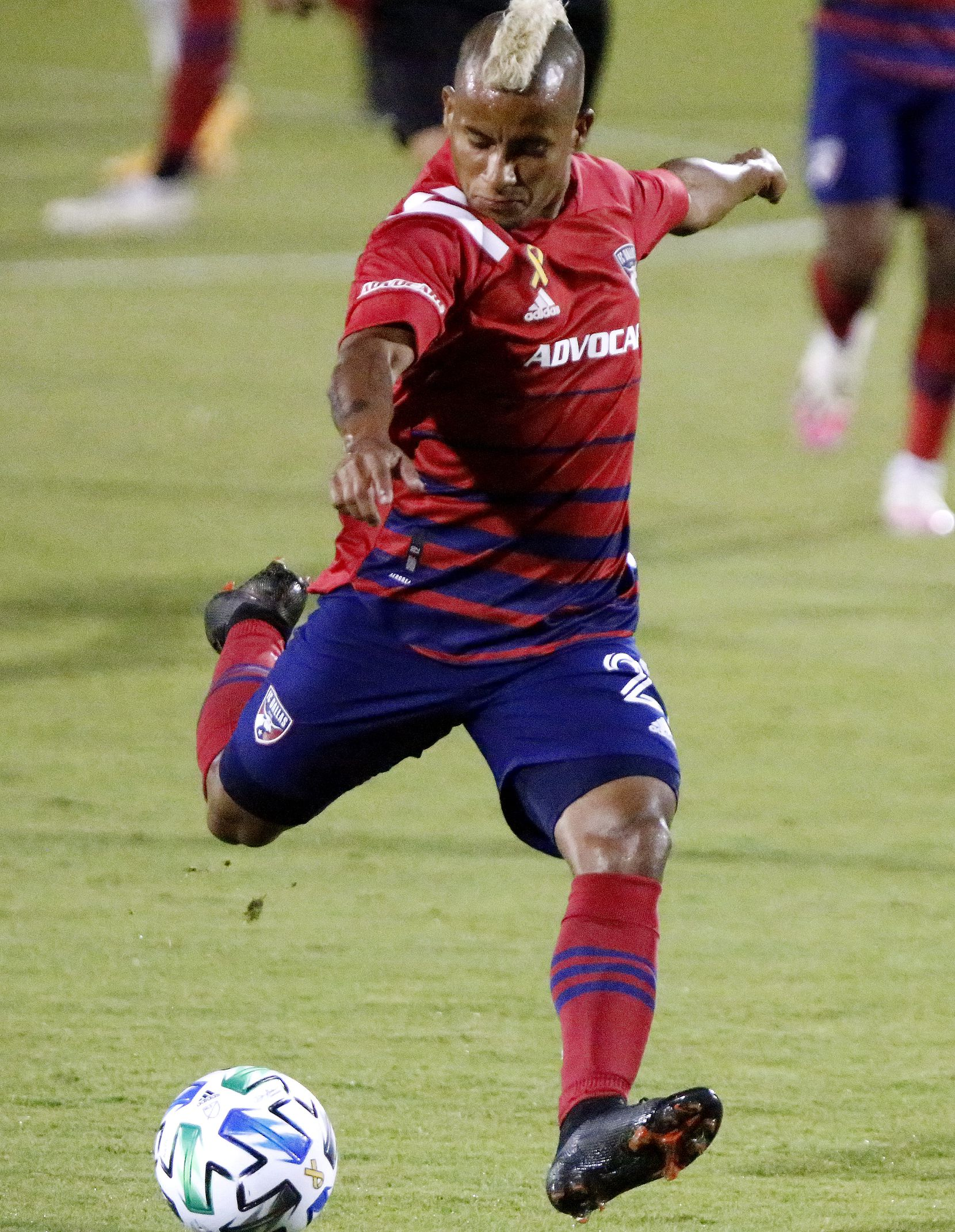 FC Dallas midfielder Michael Barrios (21) takes a shot on goal during the first half as FC Dallas hosted the Colorado Rapids at Toyota Stadium in Frisco on Wednesday night, September 16, 2020. (Stewart F. House/Special Contributor)