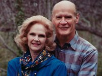 Alicia Landry poses with her husband, former Dallas Cowboys coach Tom Landry. Alicia Wiggs Landry died of natural causes Thursday. She was 91.