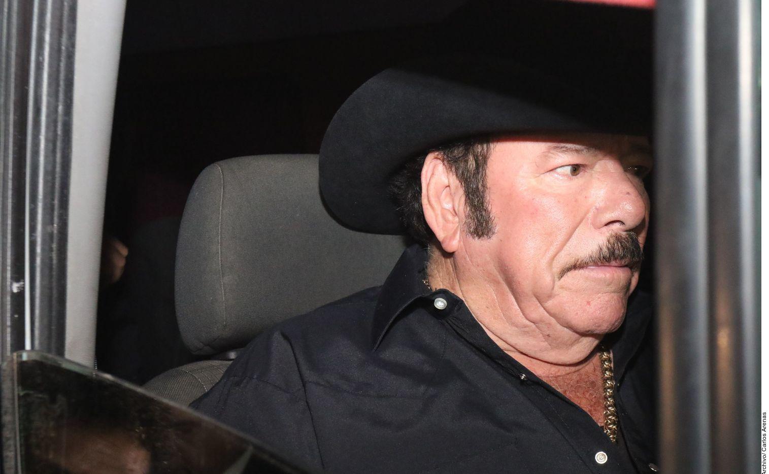 Lalo Mora lleva 10 días hospitalizado, de los cuales cuatro ha permanecido en el área de cuidados intensivos en un hospital de Monterrey donde se encuentra internado.