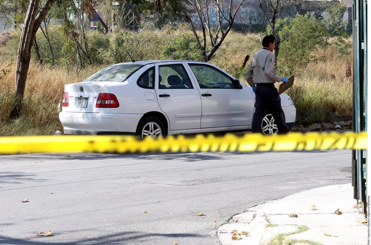 Elementos de la Procuraduría de Justicia de Coahuila abrieron una carpeta de investigación por el delito de homicidio al padre Joaquín Hernández, en esta foto del 12 de enero del 2017. (AGENCIA REFORMA/FRANCISCO BUSTOS)
