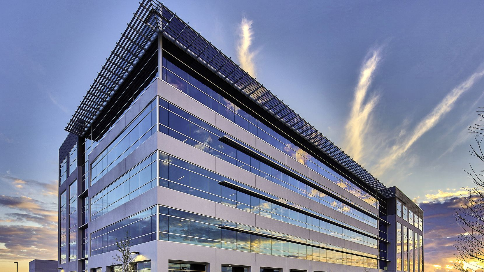 BroadSoft has leased a floor of office space in the new Platinum Park office building in West Plano.