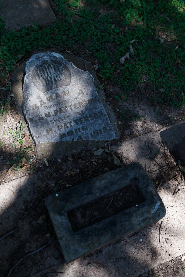 """The mayor calls Dallas' treatment of its Pioneer Cemetery """"embarrassing."""" Which it is. For starters."""