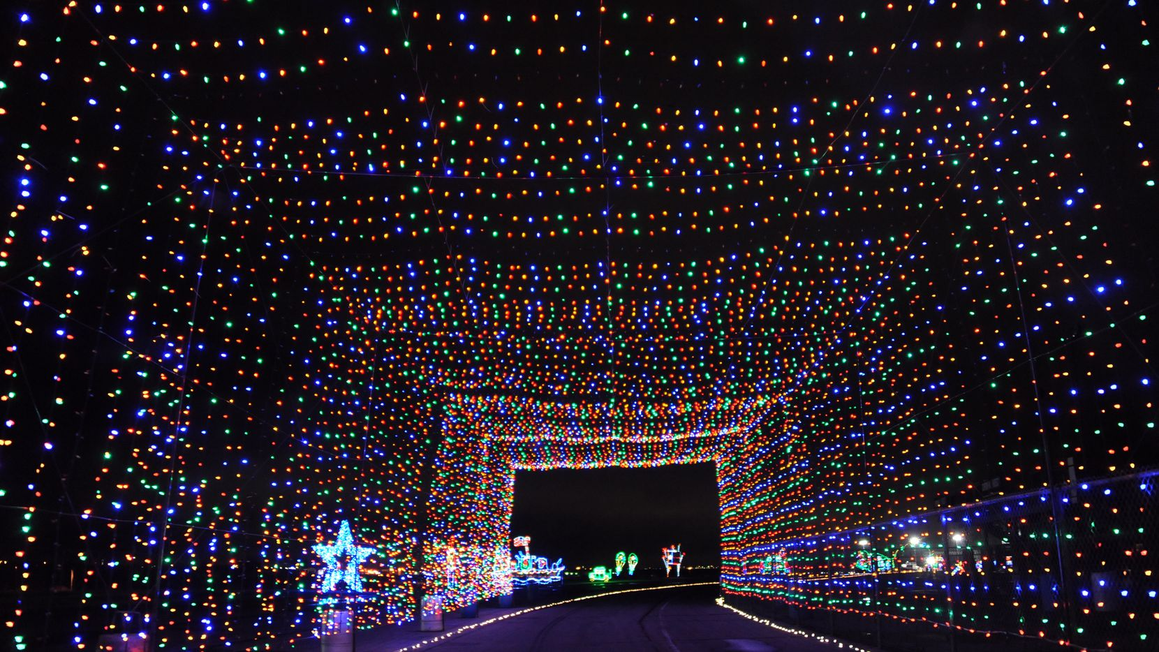 Texas Motor Speedway Christmas Lights 2020 Gift of Lights