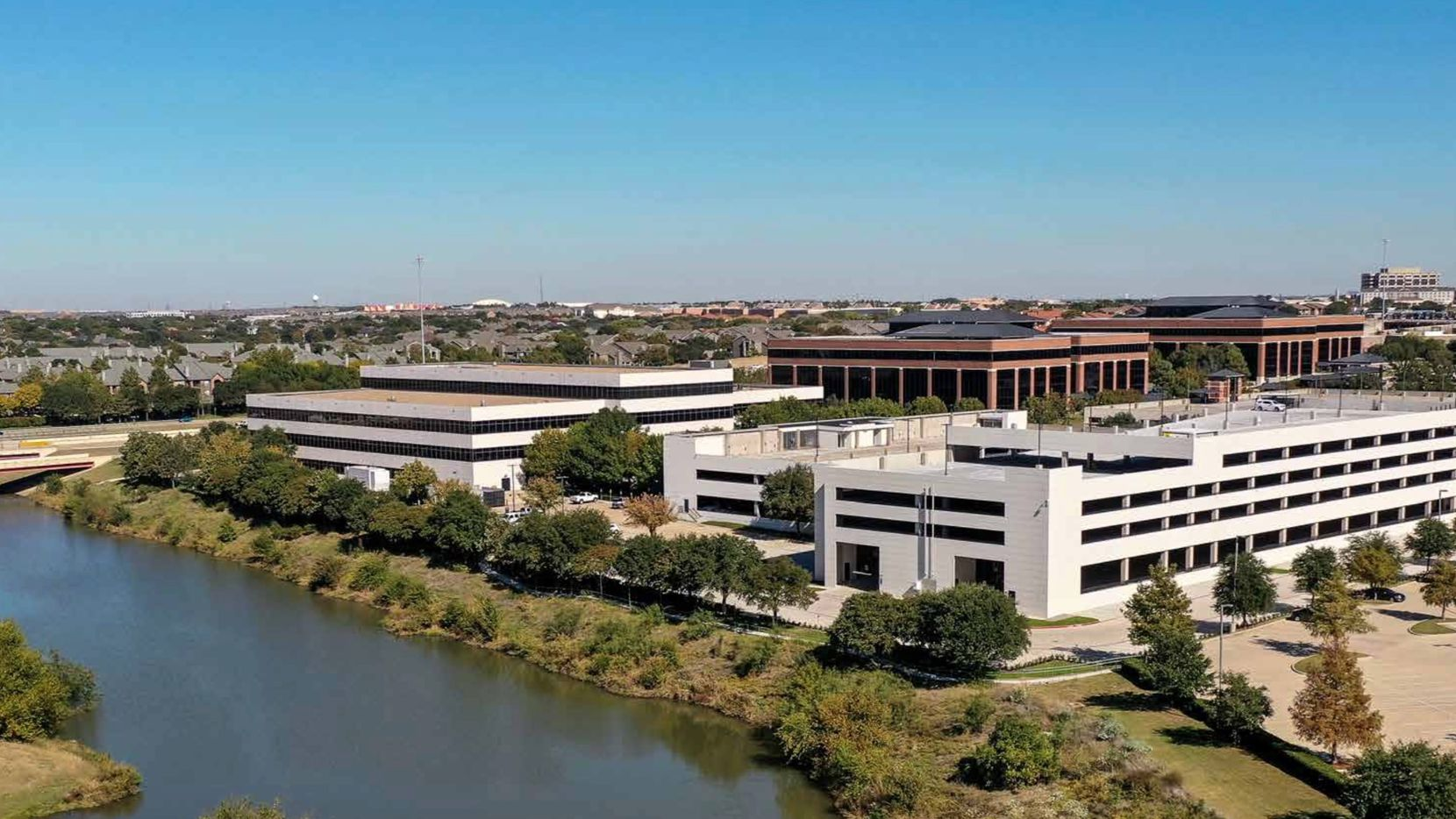 Vistra's Irving headquarters fronts on Bush Turnpike.
