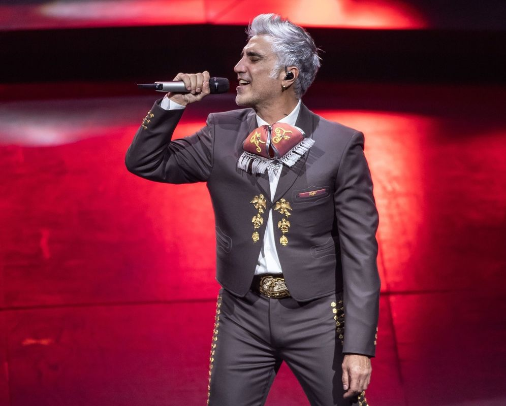 """Alejandro Fernández inicia su gira """"Hecho en México"""" el 10 de septiembre en Reno, Nevada."""