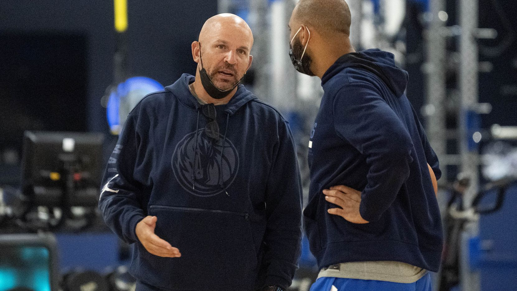Dallas Mavericks head coach Jason Kidd confers with assistant coach Jared Dudley during the first practice of training camp, Tuesday, September 28, 2021 at the Dallas Mavericks Training Center in Dallas. (Jeffrey McWhorter/Special Contributor)