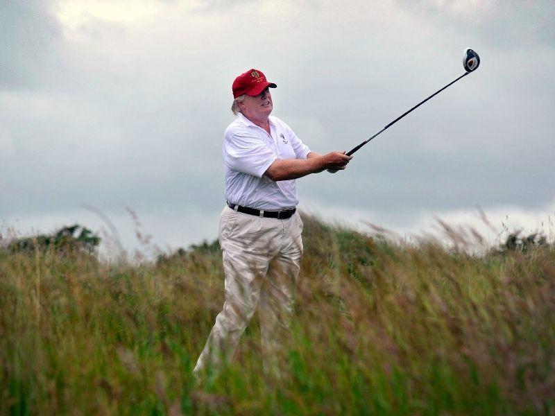 Donald Trump es un apasionado del golf, deporte que practica cada vez que tiene oportunidad.
