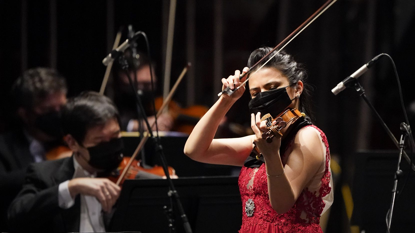 Violin soloist Karen Gomyo performs with the Fort Worth Symphony in concert at the Will Rogers Auditorium on Friday, Oct. 30, 2020, in Fort Worth.