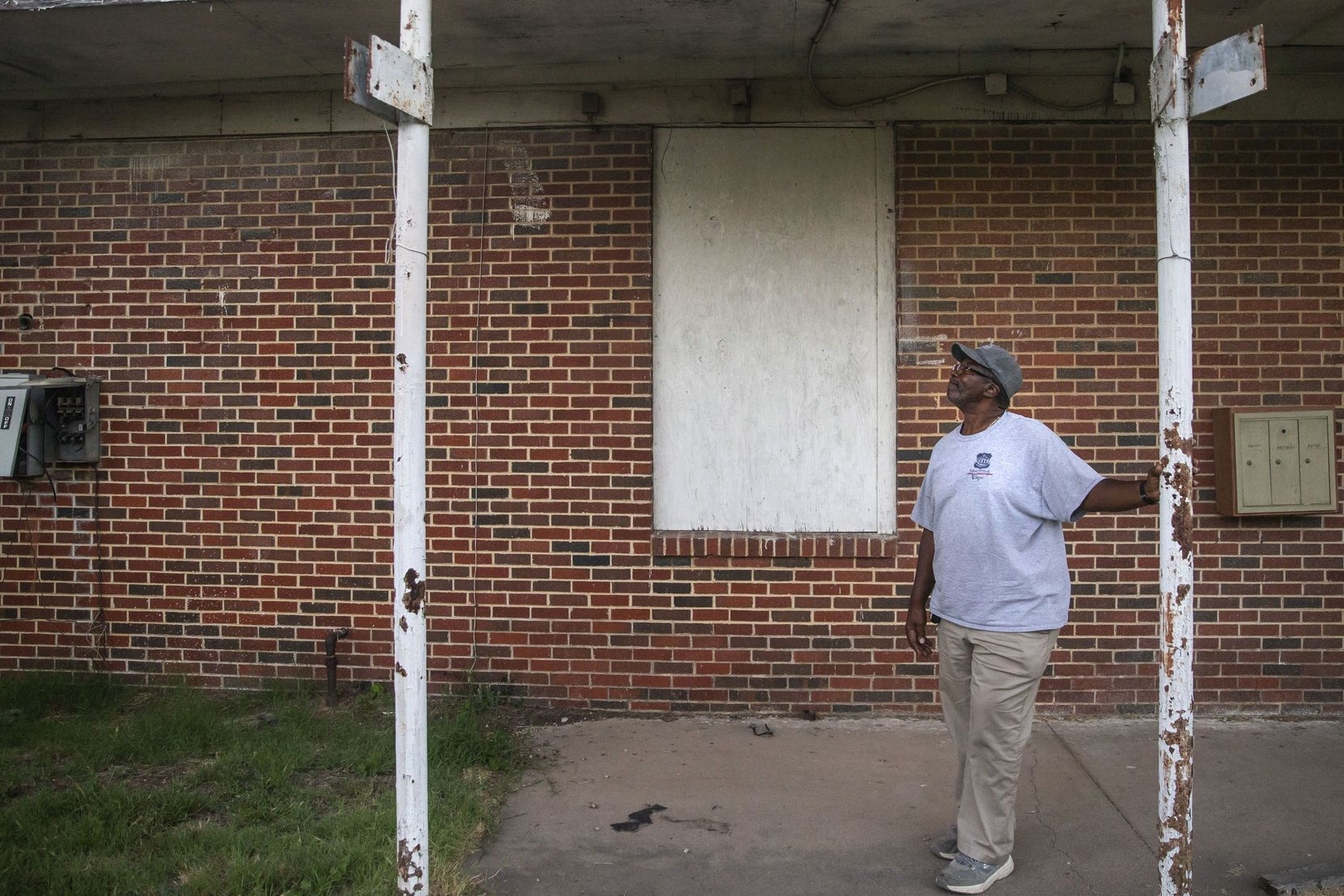Longtime Joppa resident Edgar Green attended the now-closed Melissa Pierce School. Some in the Dallas neighborhood would like to see it turned into a community center.
