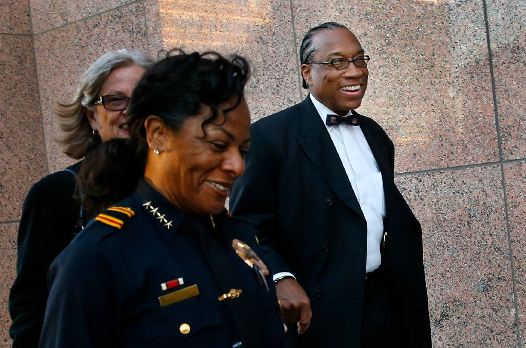 Dallas County Commissioner John Wiley Price arrives with his lawyers for the first day of his bribery trial at the Earle Cable Federal Building in downtown Dallas, Thursday, February 23, 2017. (Tom Fox/The Dallas Morning News)