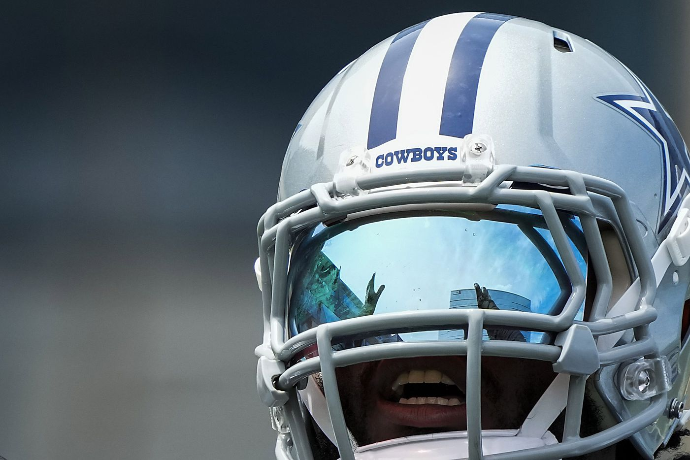 Dallas Cowboys linebacker Jaylon Smith motions to teammates during a minicamp practice at The Star on Tuesday, June 8, 2021, in Frisco. (Smiley N. Pool/The Dallas Morning News)