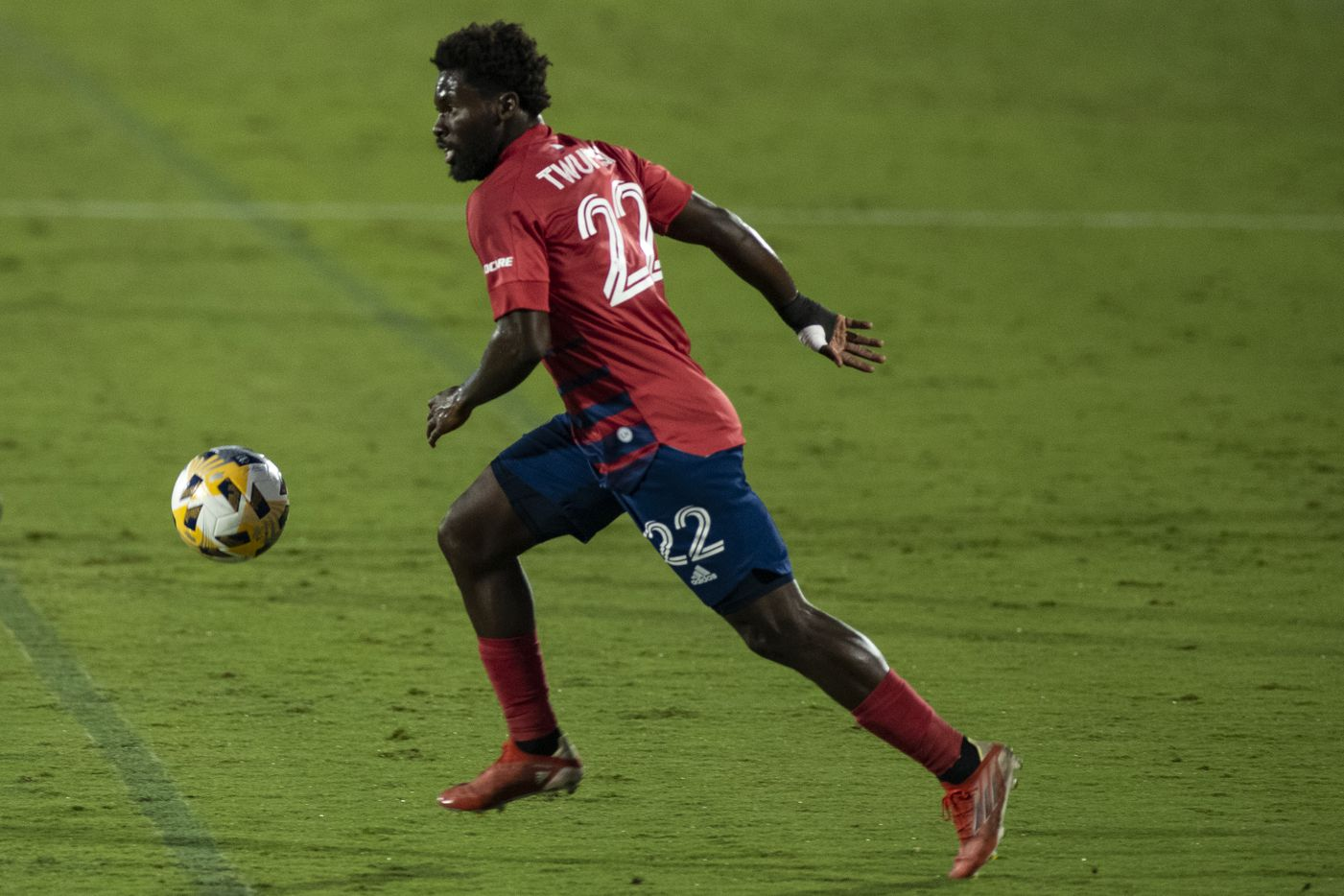 FC Dallas midfielder Ema Twumasi (22) looks for an open teammate to pass to during FC DallasÕ home game against the San Jose Earthquakes at Toyota Stadium in Frisco, Texas on Saturday, September 11, 2021. (Emil Lippe/Special Contributor)