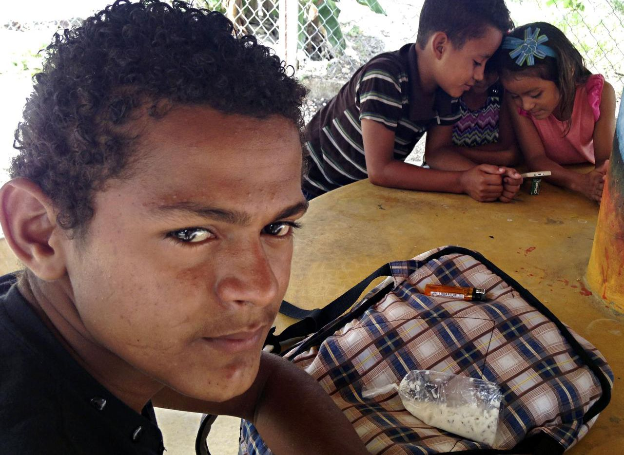 Muchos de los jóvenes que buscaban llegar a Estados Unidos fueren retenidos en México. Un programa les permite solicitar el estatus de refugiado desde sus países, pero hasta ahora nadie lo ha logrado (ALFREDO CORCHADO/DMN)