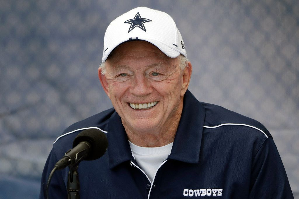 Dallas Cowboys owner Jerry Jones continues to climb the rankings of Forbes' annual Richest Americans list.
