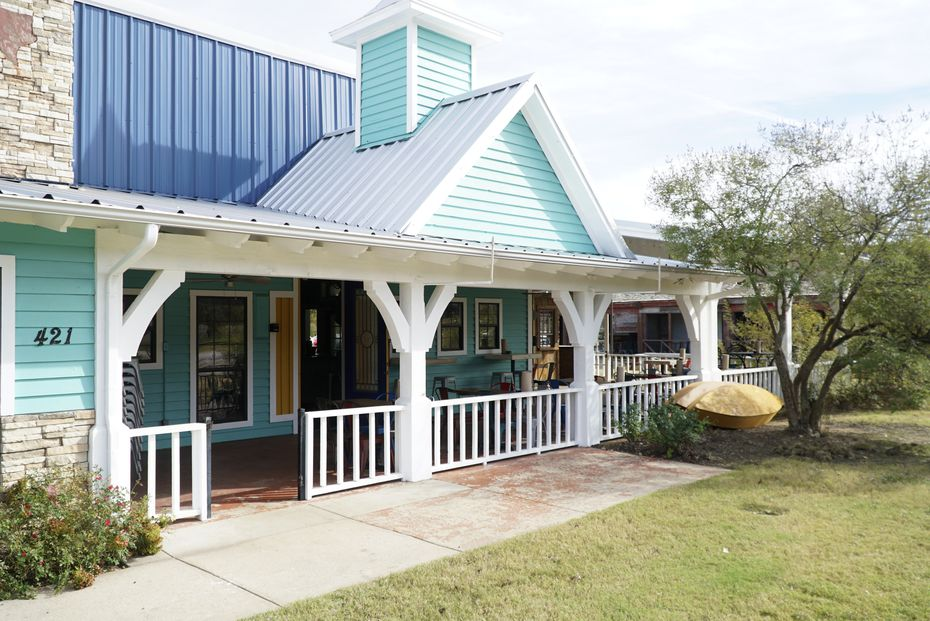 St. Argyle's Cajun Kitchen & Pirogue Sales is a former Fuzzy's Taco Shop. Inside, the restaurant has a French Quarter theme, with one pole holding musical instruments like trombones, trumpets and a euphonium.