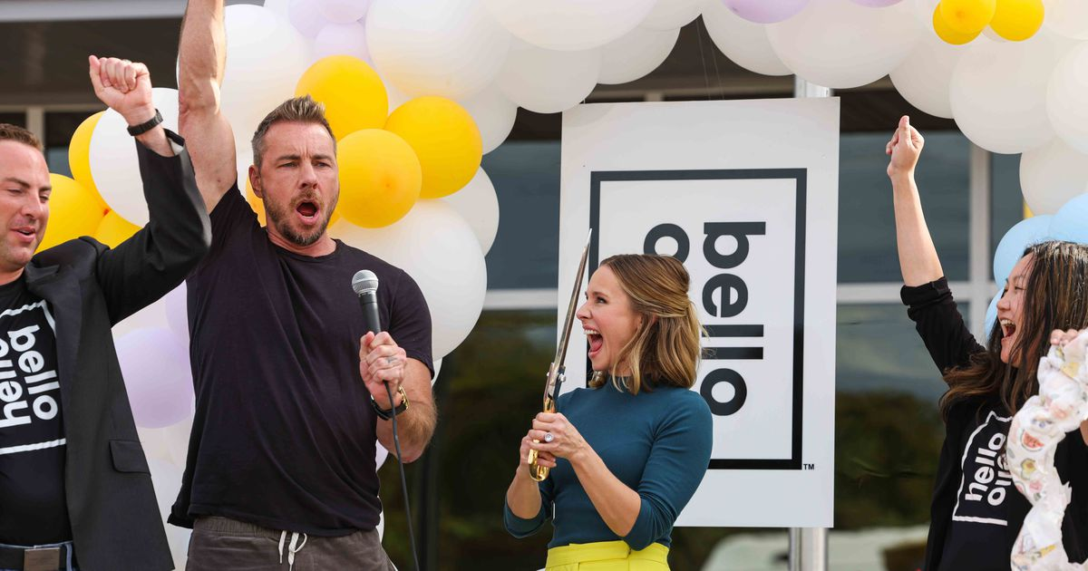 Hollywood power couple Kristen Bell and Dax Shepard arrive in Waco with homegrown diaper brand