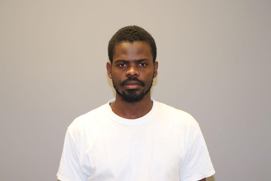 """Ronald Kombo """"Ron"""" Bultongez, de 25 años, se entregó a las autoridades de Grapevine el jueves."""