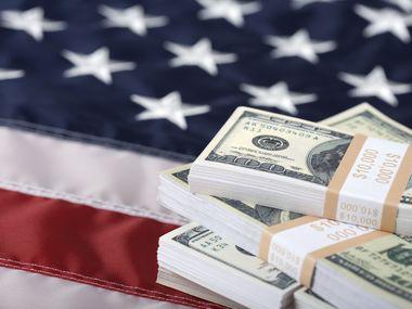 Legalizar a las 11 millones de personas indocumentadas puede significar que cada año ingresen $1.4 billones más a la riqueza de los Estados Unidos.