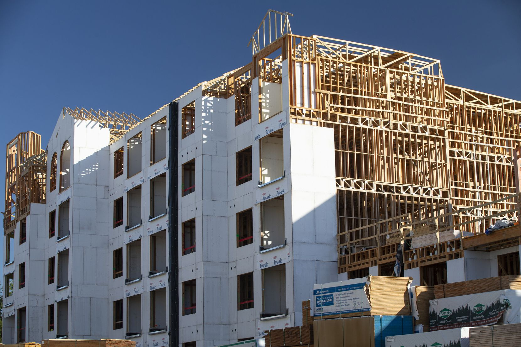 Apartments under construction in the Harbor District in Rockwall, Thursday, August 12, 2021. Kaufman County led the Dallas-Fort Worth metropolitan area with a 40% population increase, followed by Rockwall with a 38% gain. Both counties have a white population that exceeds 60% of the total.