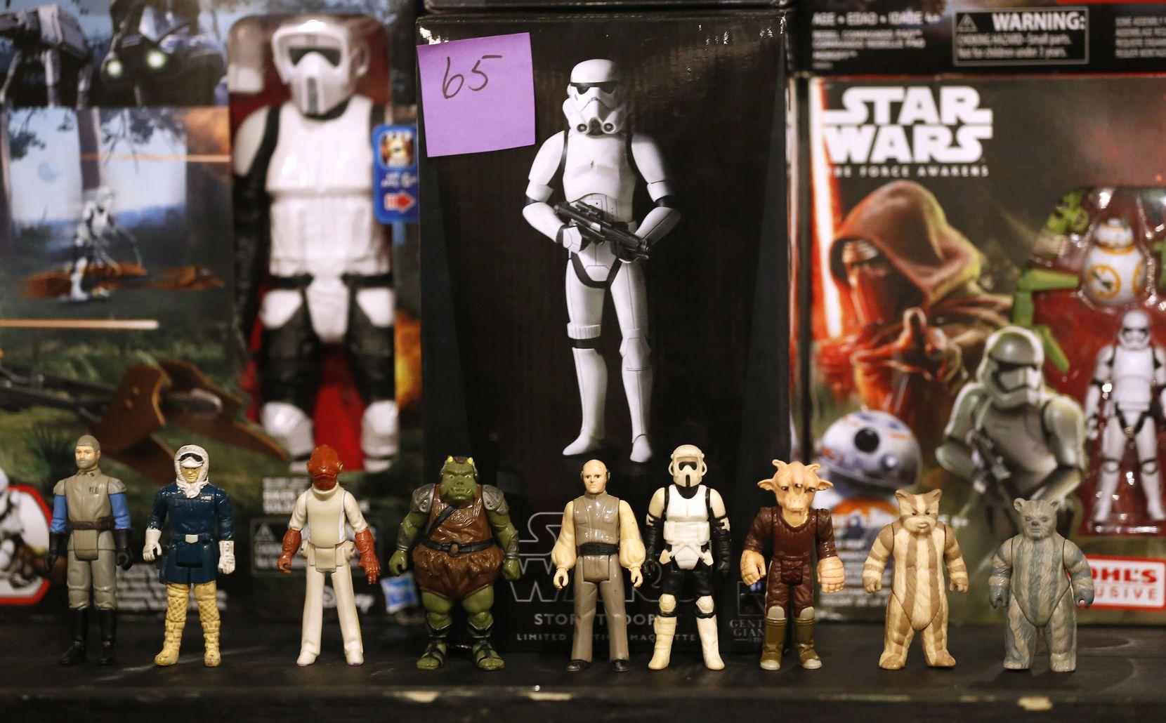 Figuras de colección de Star Wars en el North Dallas Toy Show (Jae S. Lee/DMN)