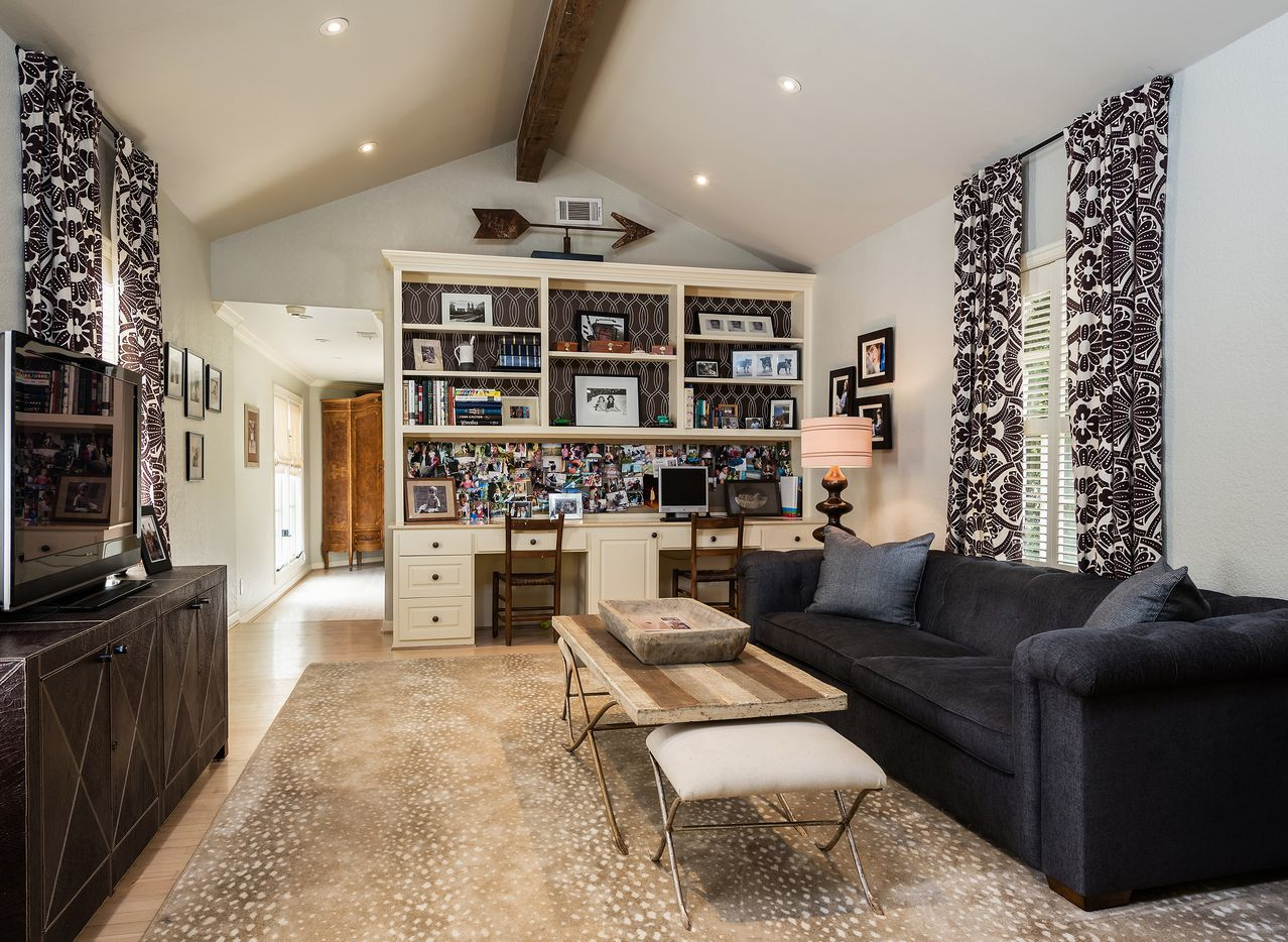 A look inside the home at 5422 Montrose Drive in Dallas, TX.