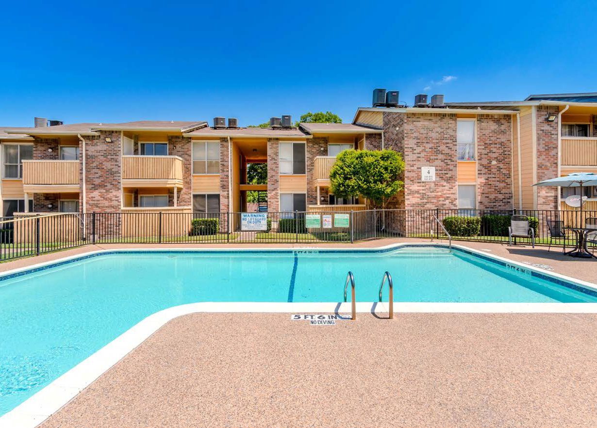 The Bella Vista Creek apartments in Dallas sold to an Austin investor.
