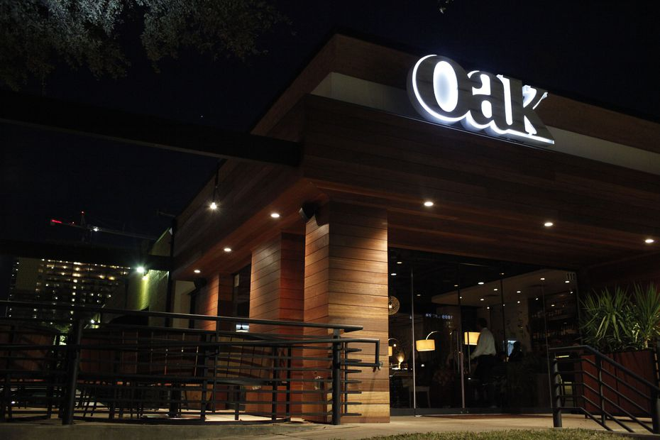 Oak is located on Oak Lawn Avenue in Dallas and was one of the early high-end restaurants in the Dallas Design District.