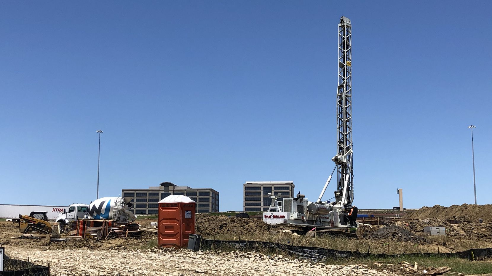 The new retail strip is being built at at Carpenter Freeway and State Highway 161 in Irving.