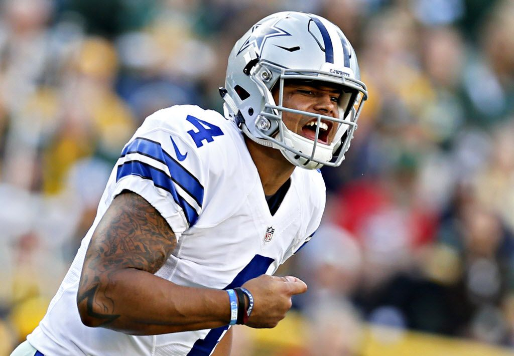 Dallas Cowboys quarterback Dak Prescott calls a play at the line during Dallas' 30-16 win over the Green Bay Packers Sunday, October 16, 2016 at Lambeau Field in Green Bay, Wis. (G.J. McCarthy/The Dallas Morning News)