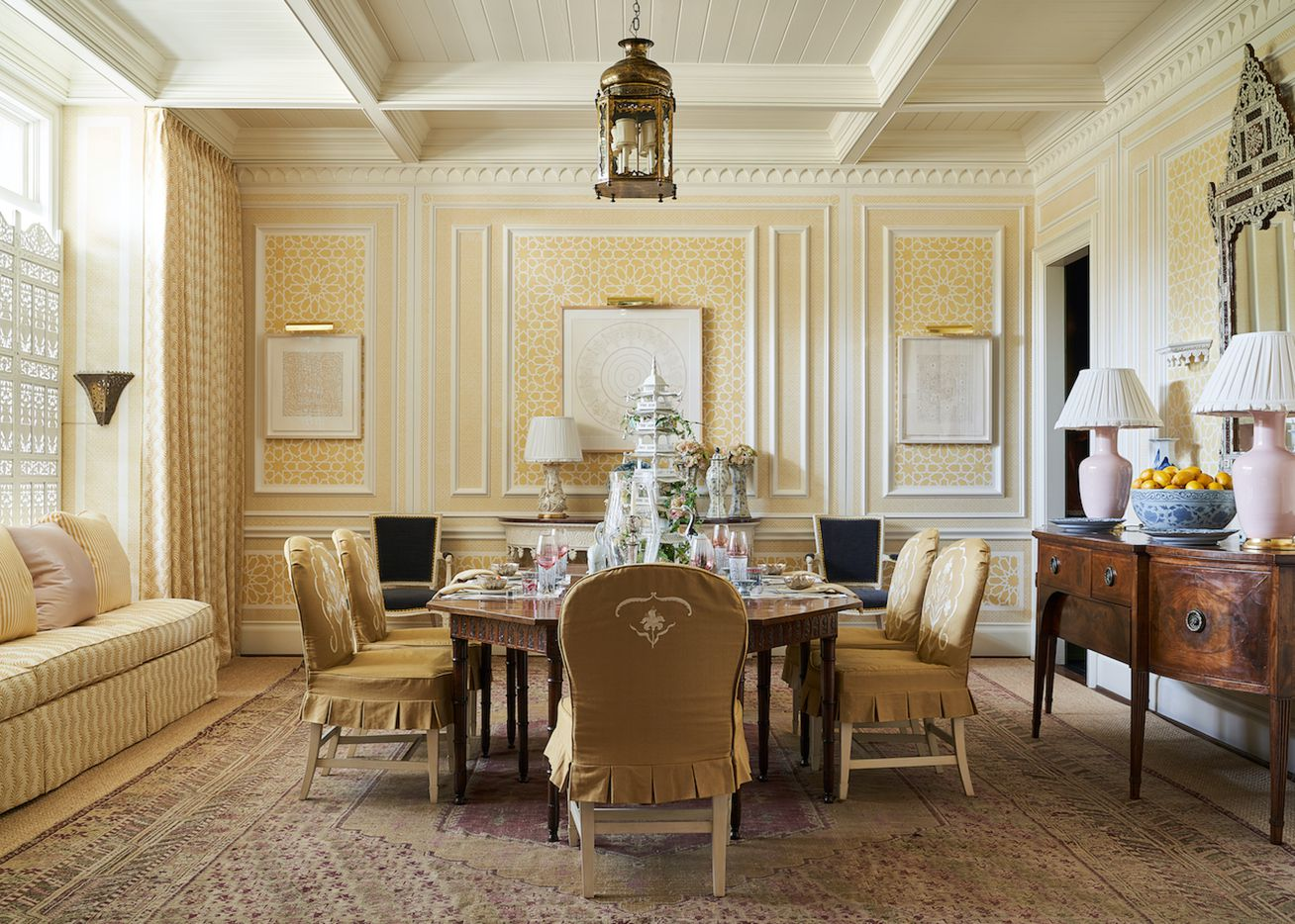 The dining room at the Kips Bay Decorator Show House Dallas. This room was designed by Cathy Kincaid.