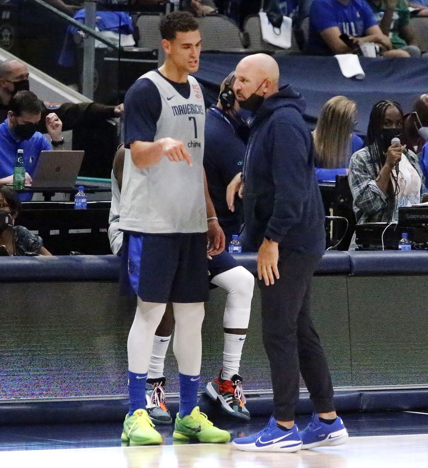 Dallas Mavericks center Dwight Powell (7) talks with Dallas Mavericks head coach Jason Kidd as the Dallas Mavericks held their Mavs Fam Jam, a scrimmage free to the public at the American Airlines Center in Dallas on Sunday, October 3, 2021. (Stewart F. House/Special Contributor)