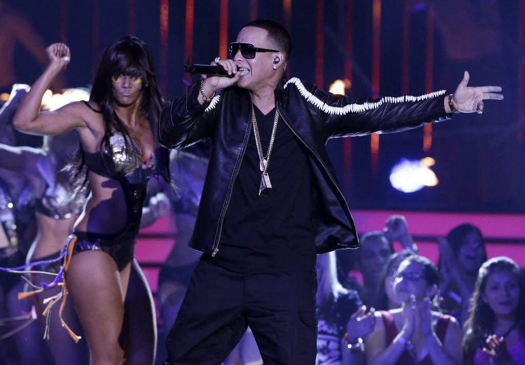 En esta foto de archivo se ve a Daddy Yankee durante una presentación. Daddy Yankee recibirá el Premio Billboard Salón de la Fama en la próxima entrega de los Premios Billboard de la Música Latina el 23 de septiembre de 2021.
