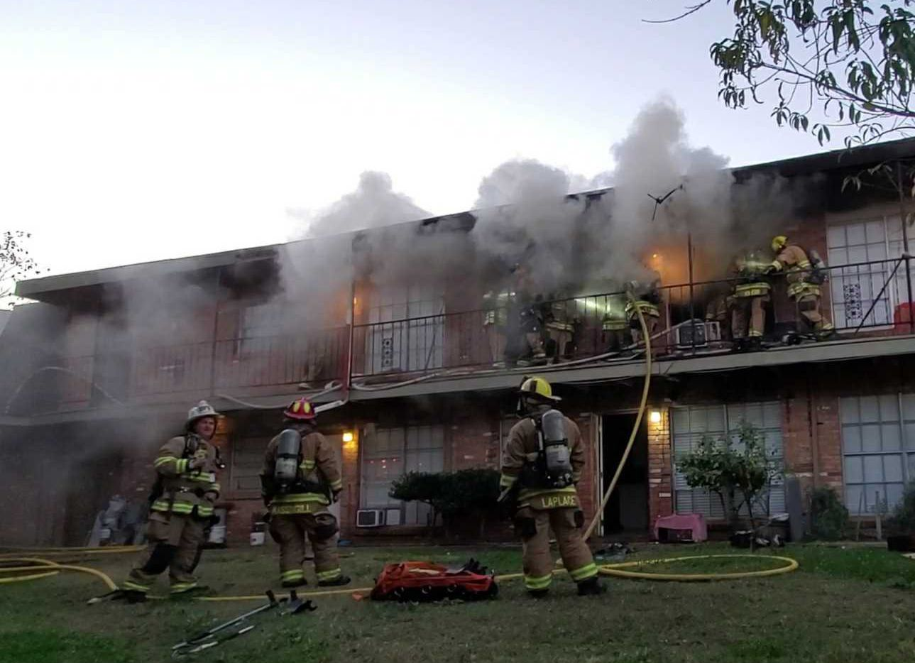 Firefighters found a man dead while extinguishing an apartment fire in Old East Dallas on Wednesday.