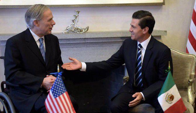 El gobernador texano, Greg Abbott, durante su reunión con el presidente mexicano Enrique Peña Nieto.(AGENCIA REFORMA)