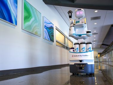 Medical City Dallas One Armed Bright Eyed Moxi Is Region S First Full Time Nursing Robot