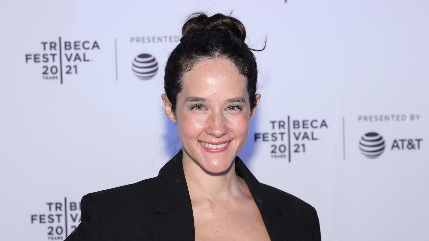 """Ximena Sariñana en la premiere de """"On The Divide"""" en Brooklyn Commons el 13 de junio de 2021 en Nueva York."""