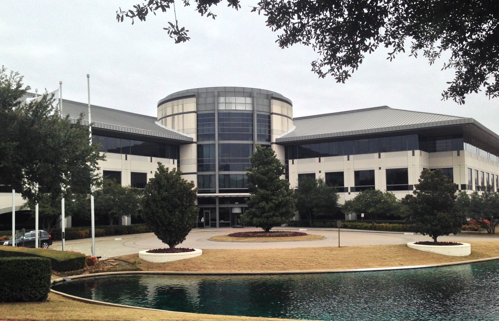 The Keurig Dr Pepper office campus in Legacy could be put up for sale or lease if the beverage firm moves its local offices to Frisco.