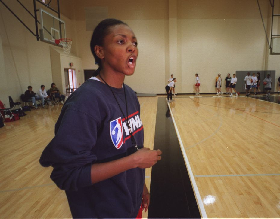The Houston stop in a series of women's basketball fantasy camps being conducted by former Comets player Fran Harris took place Sunday Nov. 16, 1998 at the St. Pius High School gymnasium.