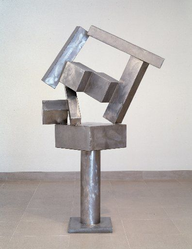 Cubi XVII by sculptor David Smith was also provided by the McDermotts' art fund. (Dallas Museum of Art)