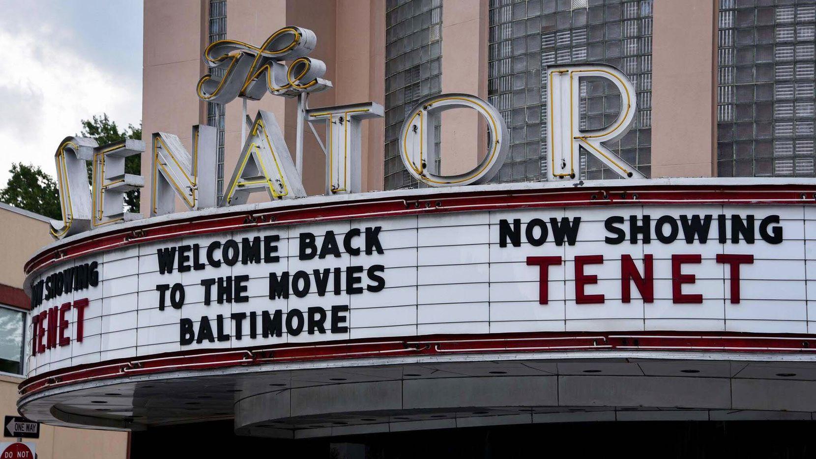 Han pasado más de dos meses desde que los cines comenzaron a reabrir en EEUU, pero aún hay bastante confusión sobre la idea de ir al cine en la era de covid-19.