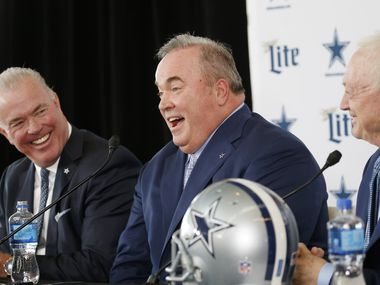 Dallas Cowboys new head coach Mike McCarthy (center) shares a laugh with Dallas Cowboys executive vice president Stephen Jones (left) and Dallas Cowboys owner and general manager Jerry Jones as he is introduced during a press conference at The Star in Frisco, on Wednesday, January 8, 2020. (Vernon Bryant/The Dallas Morning News)