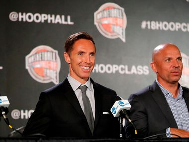 Former NBA player Steve Nash, left, smiles as former NBA player Jason Kidd, right, looks on during a news conference for the Naismith Memorial Basketball Hall of Fame class of 2018 announcement, Saturday, March 31, 2018, in San Antonio.