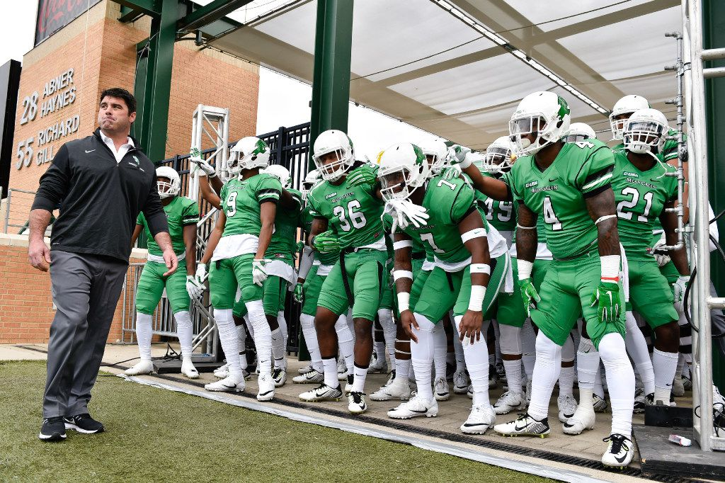 North Texas football head coach Seth Littrell gets his team ready before their game against Louisiana Tech at Apogee Stadium, Saturday, November 5, 2016, in Denton, Texas, Jeff Woo/DRC