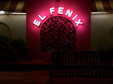 El Fenix Mexican Restaurant at 120 E. Colorado Blvd, Dallas, Texas