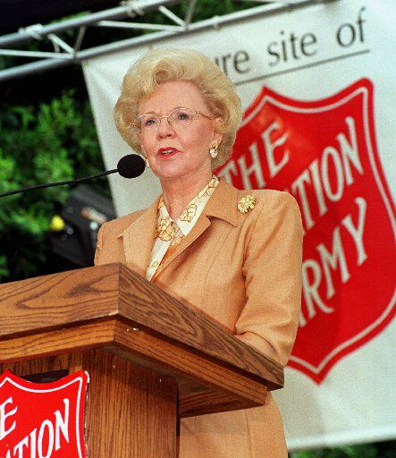 Joan Kroc speaks of her late husband, Ray Kroc, and his dedication to The Salvation Army at a ceremony on Sept. 23, 1998, in San Diego.