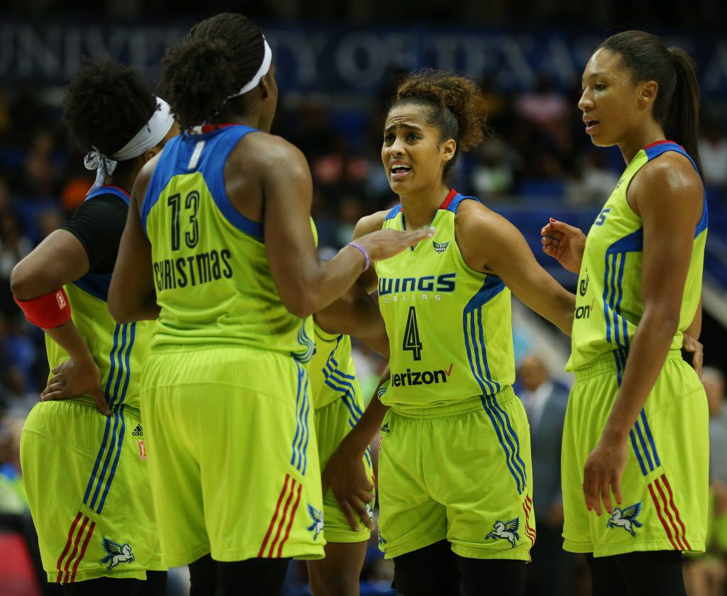 Dallas Wings guard Skylar Diggins (4) and teammates meet in the first half during a Women's National Basketball Association game between the Los Angeles Sparks and the Dallas Wings at the College Park Center in Arlington, Texas Friday September 2, 2016. (Andy Jacobsohn/The Dallas Morning News)