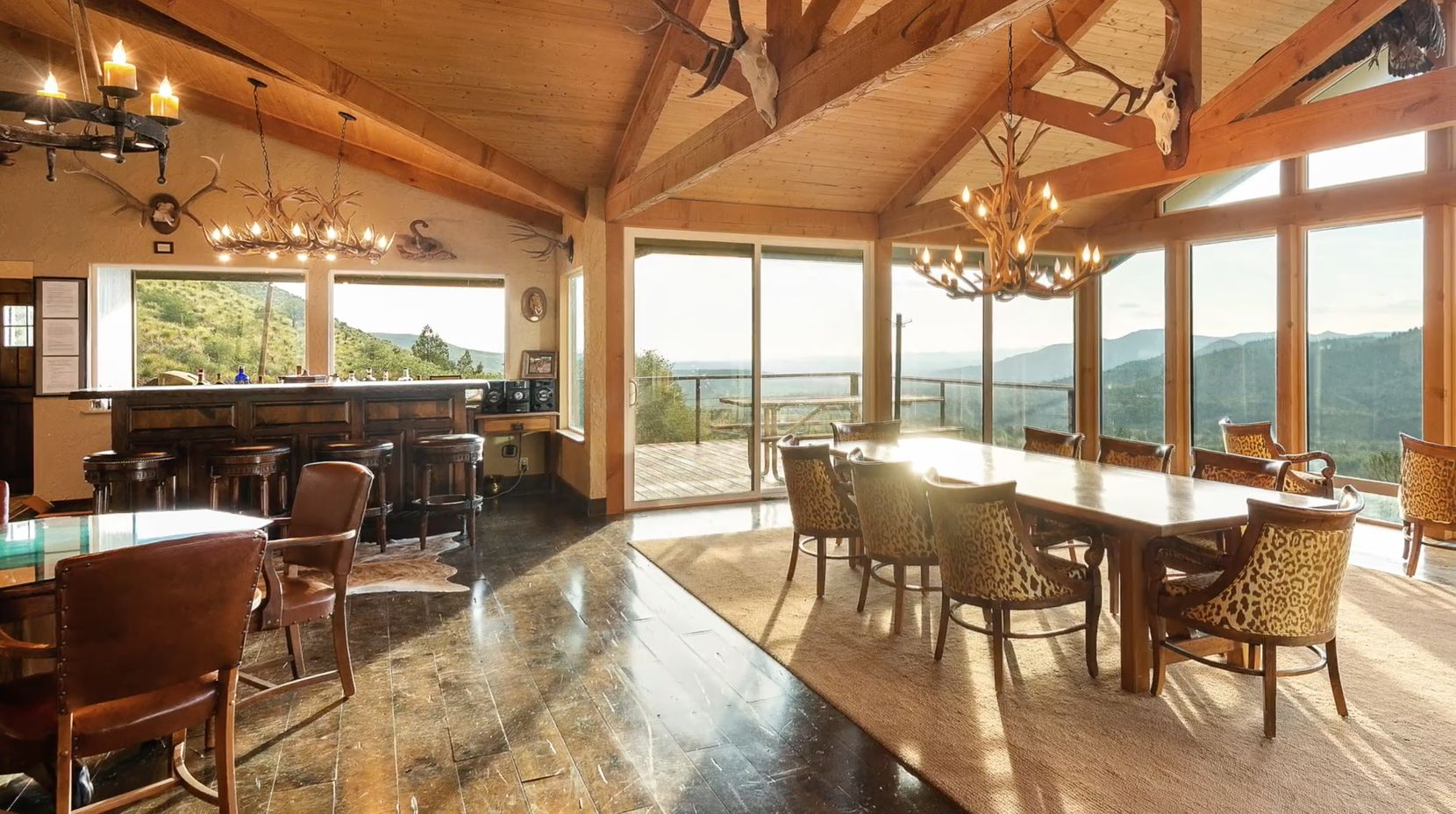 The lodge has views of the mountains.